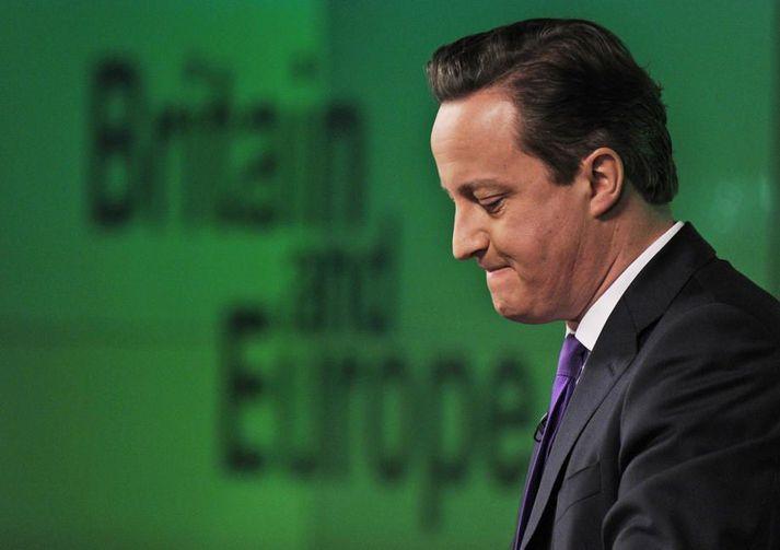 David Cameron stýrði ríkisstjórninni sem ákvað að halda þjóðaratkvæðagreiðslu um útgöngu Bretlands úr Evrópusambandinu. Hann sagði af sér þegar niðurstaðan lá fyrir. Honum lýst ekki á áform Johnson forsætisráðherra um að brjóta alþjóðalög.