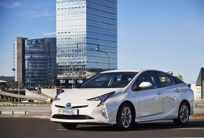 Prius er meðal þeirra bíltegunda sem Toyota hefur ákveðið að innkalla.