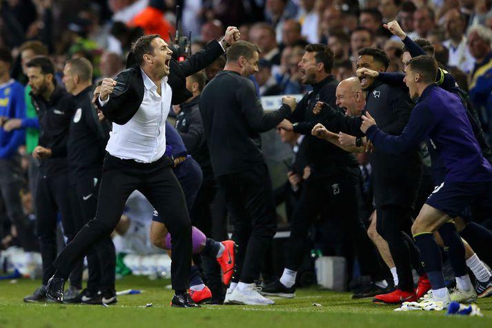 Lampard fagnar eftir leik í gær.