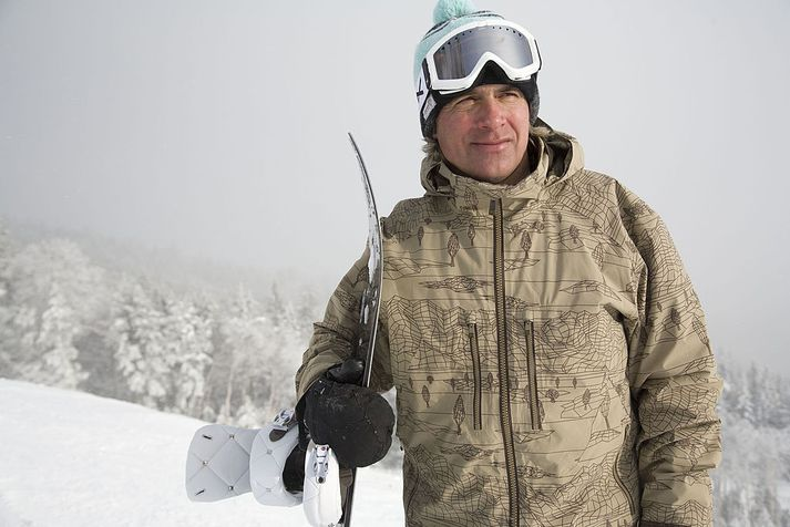 Jake Burton Carpenter stofnaði Burton Snowboards árið 1977.
