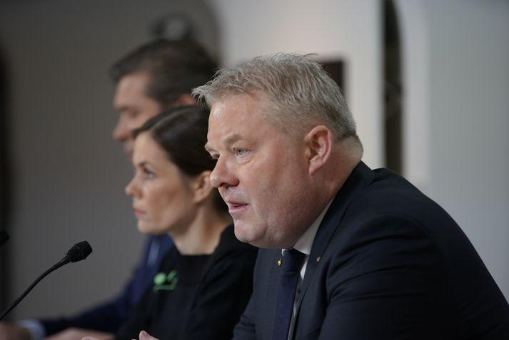 Sigurður Ingi Jóhannsson, Katrín Jakobsdóttir og Bjarni Benediktsson kynntu stjórnarsáttmálann í morgun.
