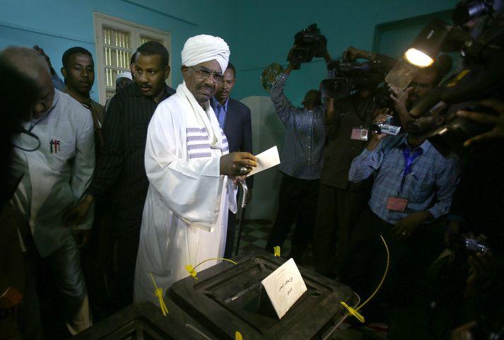 Omar al-Bashir forseti Súdans.