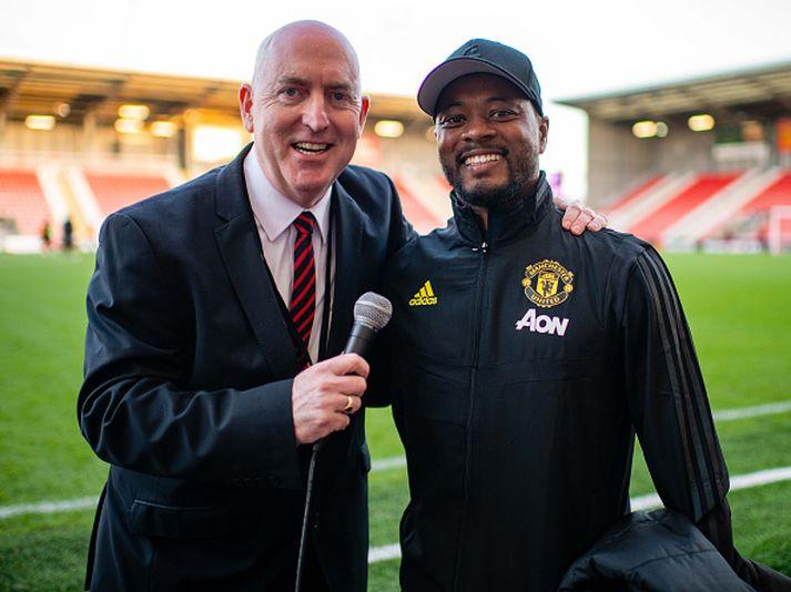 Evra fyrir leik Manchester United og Arsenal í ensku kvenna úrvalsdeildinni á dögunm.