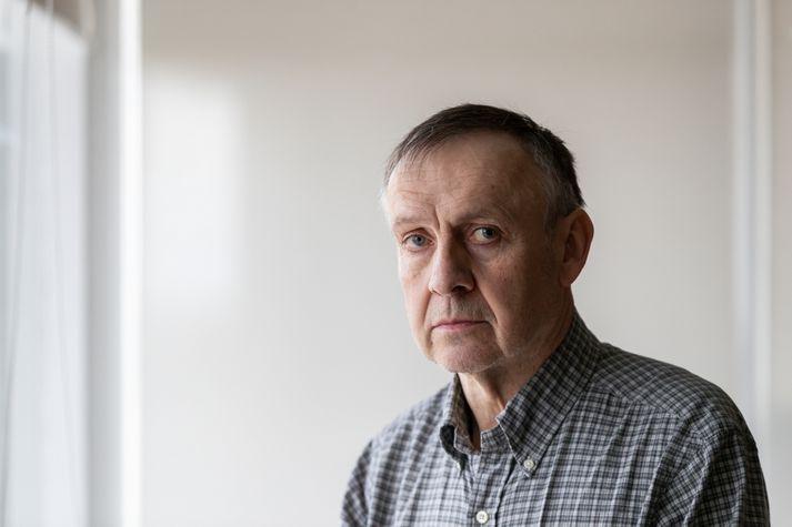 Kristinn Sigurjónsson hefur lýst brottrekstri sínum sem gríðarlegu áfalli, hann varð 64 ára í vikunni og sér ekki fram á að finna sér vinnu.