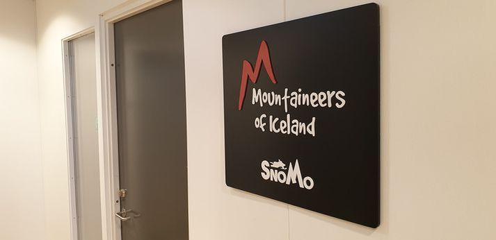 Sextán starfsmenn starfa nú hjá Mountaineers of Iceland samanborið við fjörutíu þegar mest var. Eigandi fyrirtækisins segir engin verkefni vera eftir fyrir starfsmenn.