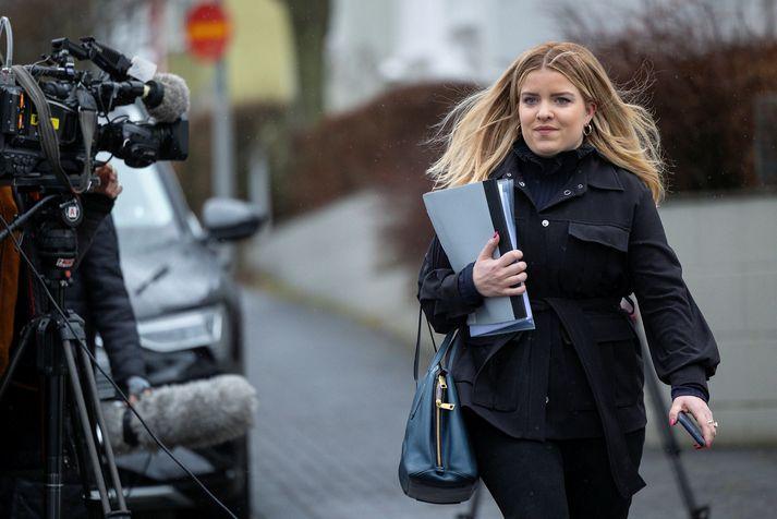 """""""Loksins! Nú hefur frumvarpið um skipta búsetu barna verið samþykkt,"""" segir Áslaug Arna í færslu á Facebook."""
