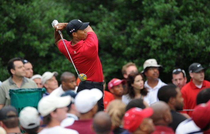 Tiger Woods fær ekki að verja Masterstitilinn sinn frá því í fyrra fyrr en í nóvember.