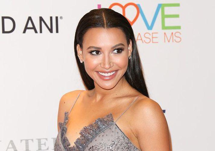 Naya Rivera er þekktust fyrir leik sinn í þáttunum Glee þar sem hún fór með hlutverk klappstýrunnar Santönu Lopez.