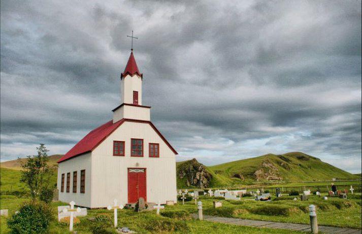Vigdís Ingvadóttir hvílir í gröf númer 148 við innganginn að Skeiðflatarkirkju.