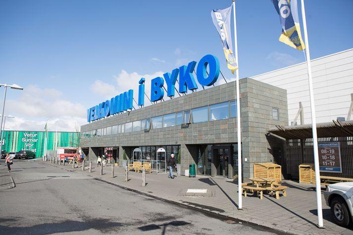 Samkeppniseftirlitið hafði sektað Byko um 650 milljónir króna. Áfrýjunarnefnd hafði lækkað sektina í 65 milljónir króna en Héraðsdómur Reykjavíkur hækkaði hana í dag í 400 milljónir króna.