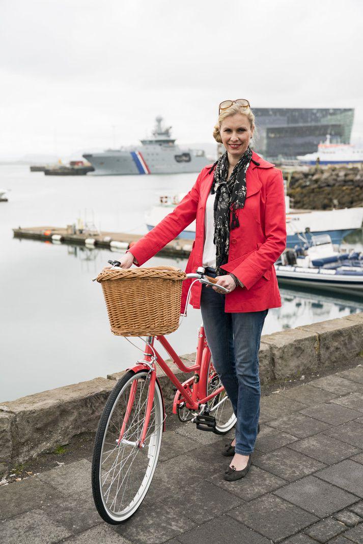 Birgitta Ásgrímsdóttir eigandi verslunarinnar Berlínar stendur fyrir hjólaviðburði til styrktar Menntunarsjóði Mæðrastyrksnefndar.