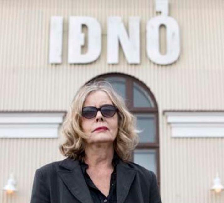 Inga Bjarnason hefur verið með stærstu sýningarnar í Iðnó í 20 ár.