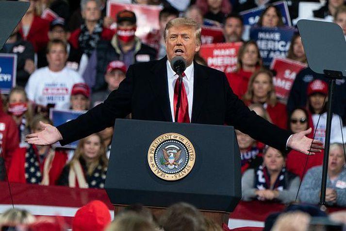Trump nýtur enn mikilla vinsælda meðal stuðningsmanna Repúblikanaflokksins. Honum líkar þó ekki að nafn sitt sé notað í fjáröflun fyrir flokkinn.