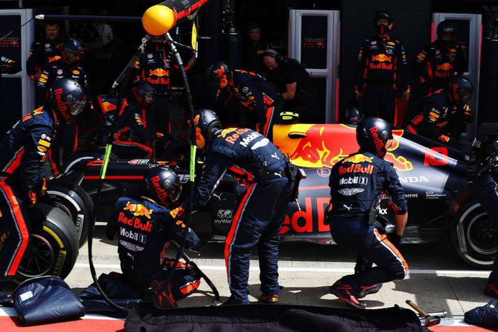 Það tók ekki nema 1,91 sekúndu að skipta um öll fjögur dekkin á Red Bull bíl Pierre Gasly í breska kappakstrinum um helgina.