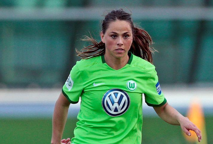 Sara í leik með Wolfsburg þar sem hún leikur við góðan orðstír.