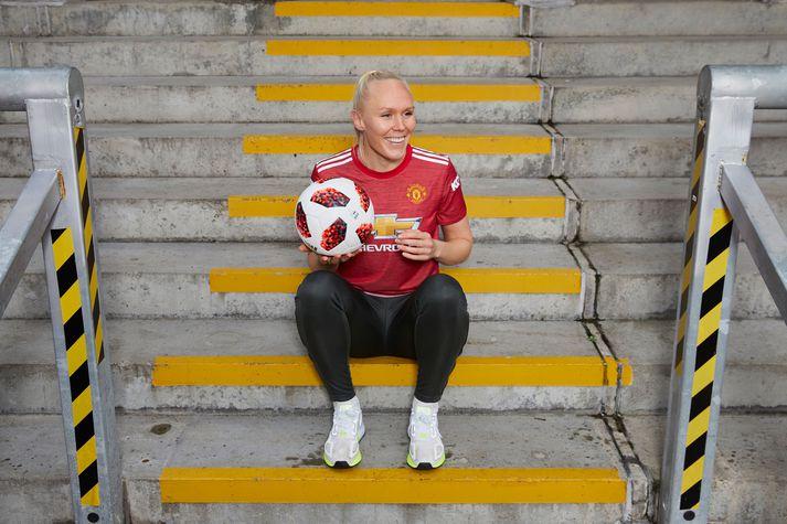 María Þórisdóttir í búningi Manchester United.