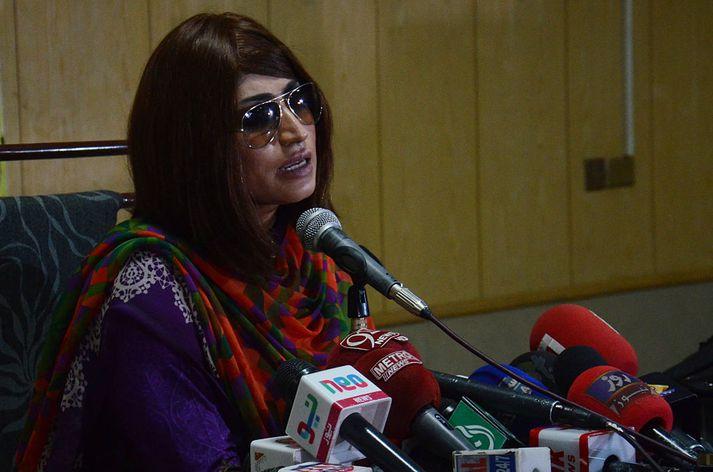 Qandeel Baloch naut mikilla vinsælda í heimalandi sínu, Pakistan.