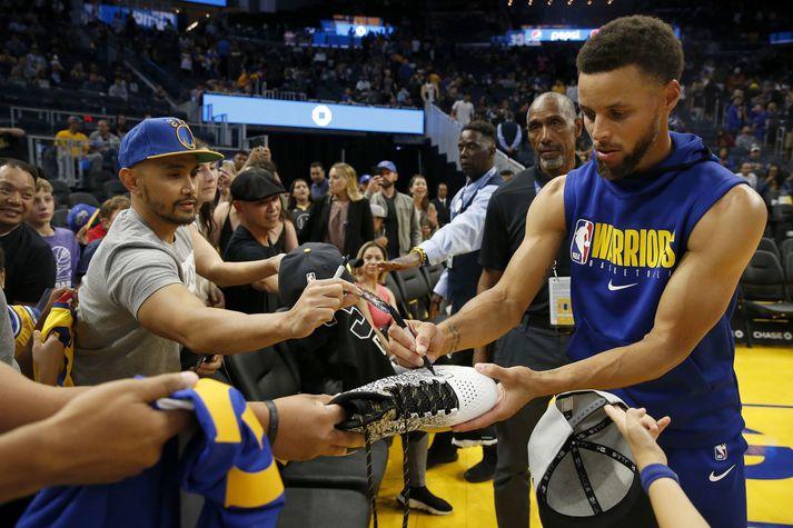 Stephen Curry verður vonandi heill á næsta tímabili en hann lék aðeins 5 af 65 leikjum Golden State Warriors á því siðasta.