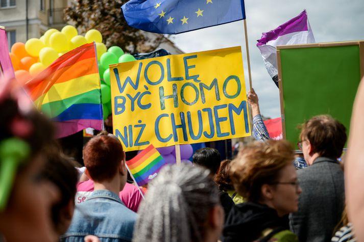 Pride ganga í Varsjá í Póllandi.