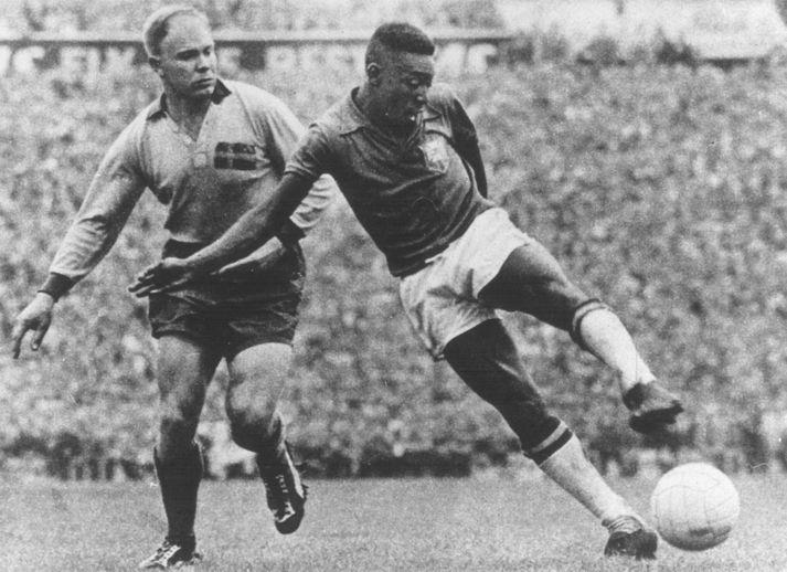 Pelé skoraði tvö í úrslitaleiknum á móti Svíþjóð árið 1958.