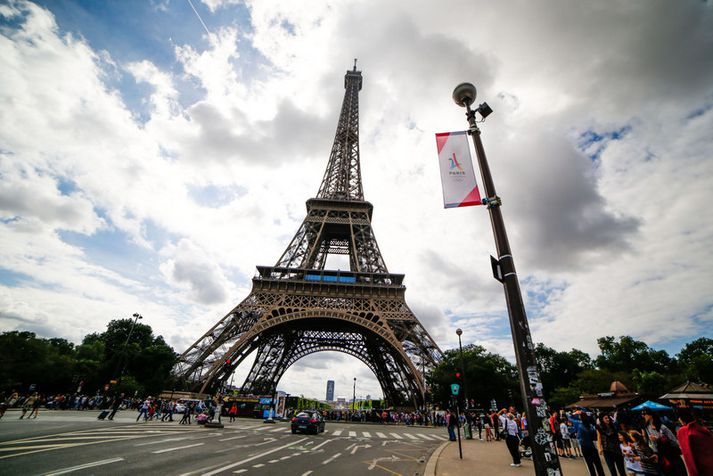 Röðin í Eiffel-turninn verður eflaust stutt á morgun.