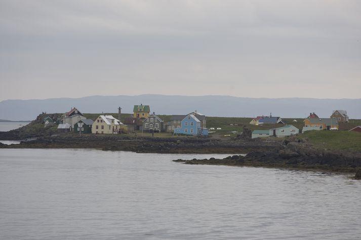 Starfsmenn Sýslumannsins á Vestfjörðum hafa þrisvar sinnum sett upp kjördeild í Flatey á Breiðafirði fyrir kosningar.