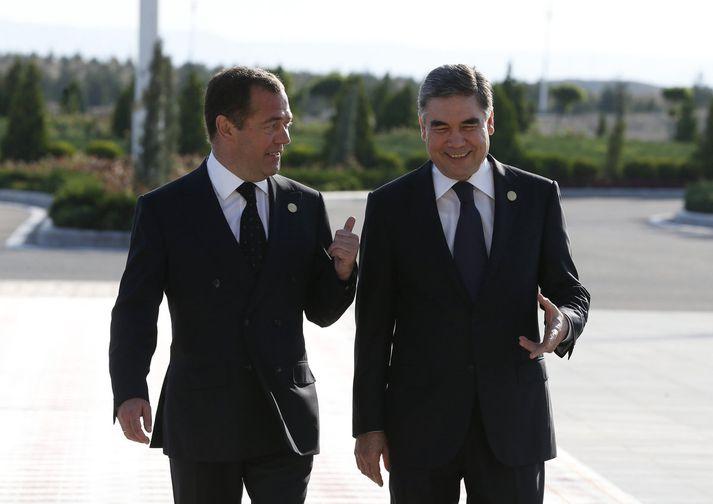 Gurbanguly Berdymukhamedov, hér með Medvedev, forsætisráðherra Rússa, í gær.