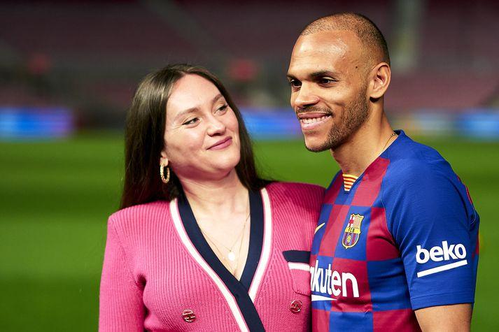 Martin og Braithwaite og Anne-Laure Louis eiginkona hans voru glaðbeitt á Camp Nou í dag.