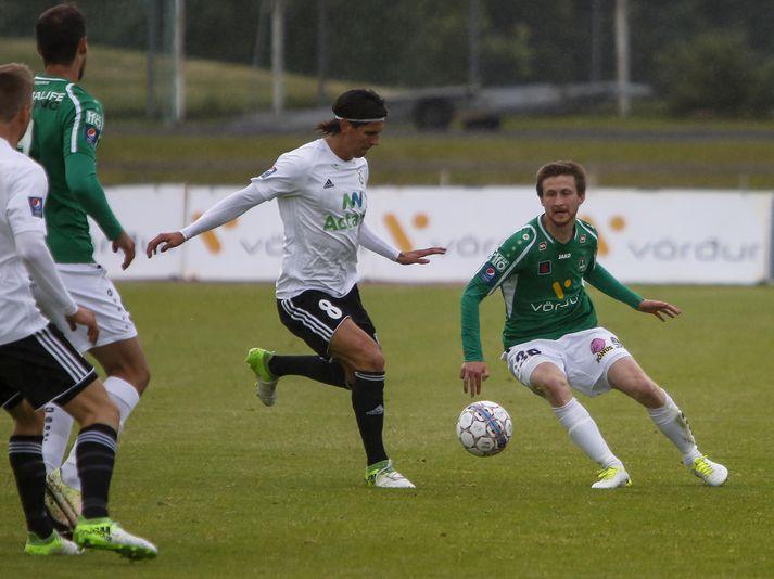 Emil Pálsson í leik FH gegn Breiðabliki.