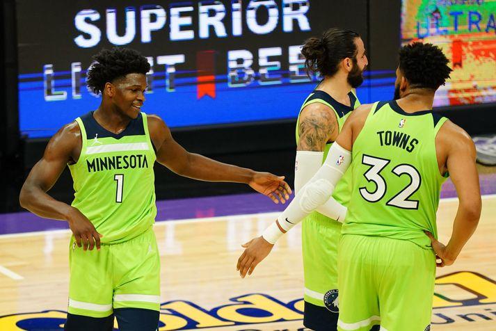 Anthony Edwards og Karl-Anthony Towns fóru mikinn fyrir Minnesota Timberwolves í sigrinum á Sacramento Kings.