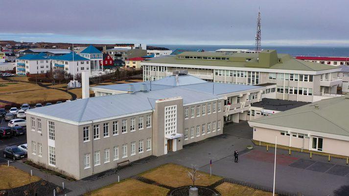 Fréttastofa hefur rætt við íbúa á Suðurnesjum sem hafa lýst þungum áhyggjum yfir starfsemi Heilbrigðisstofnunar Suðurnesja.