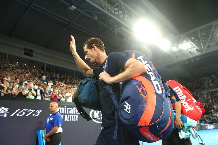 Andy Murray gengur af velli í gær.