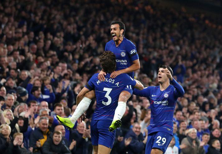 Pedro fagnar marki með félögum sínum í Chelsea, þeim Marcos Alonso og Alvaro Morata.