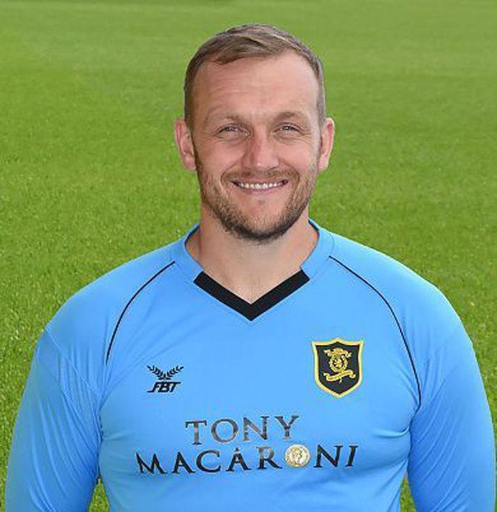 Gary Maley er markvörður Livingstone FC.