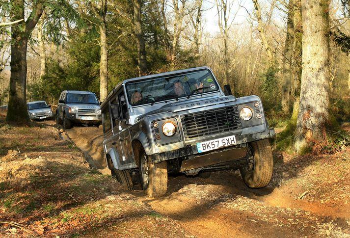 Jim Ratcliffe hrífst af skörpum línum Land Rover bifreiða.