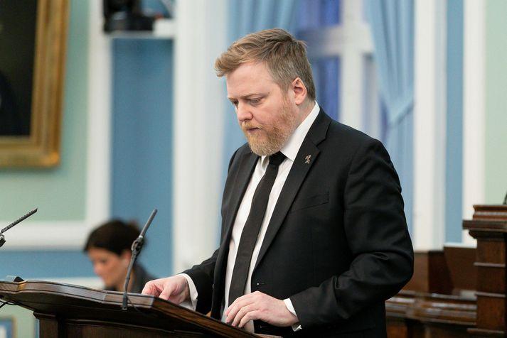 Sigmundur Davíð Gunnlaugsson tekur fyrir að Miðflokkurinn sé í krísu eftir brotthvarf Birgis Þórarinssonar þingmanns úr flokknum.