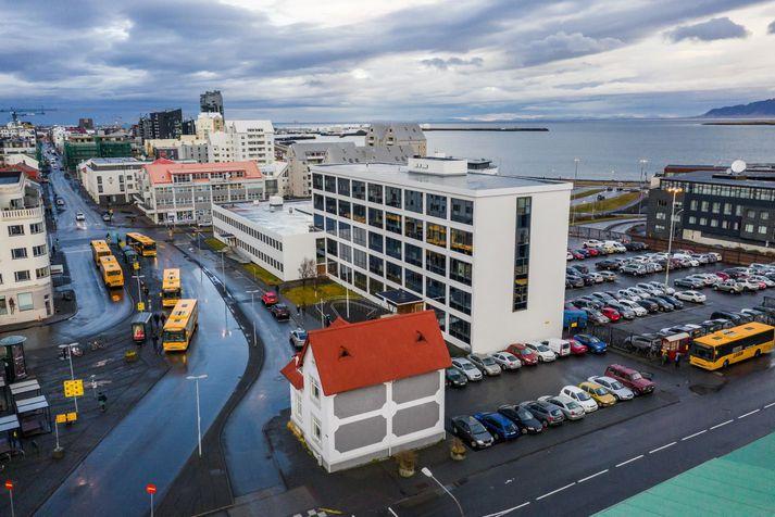 Frá áramótum hafa 380 tilkynningar borist lögreglunni á höfuðborgarsvæðinu vegna gruns um mögulegt brot gegn sóttvarnarreglum.