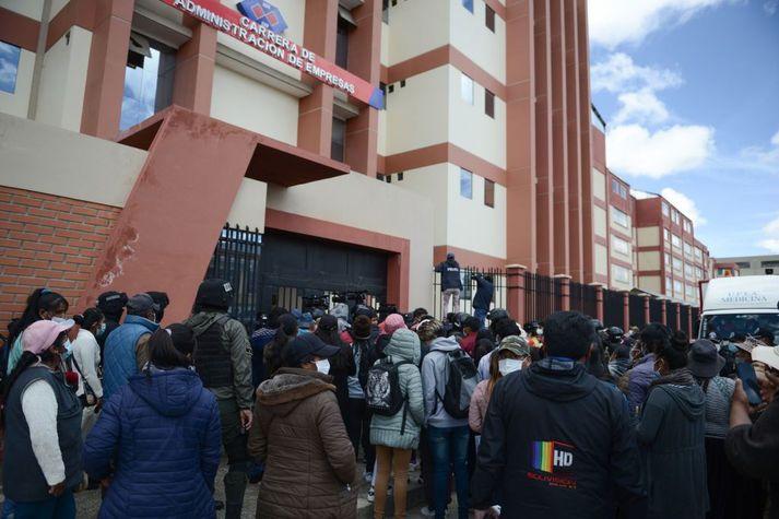 Slysið átti sér stað í El Alto háskólanum í nærri höfuðborginni La Paz.