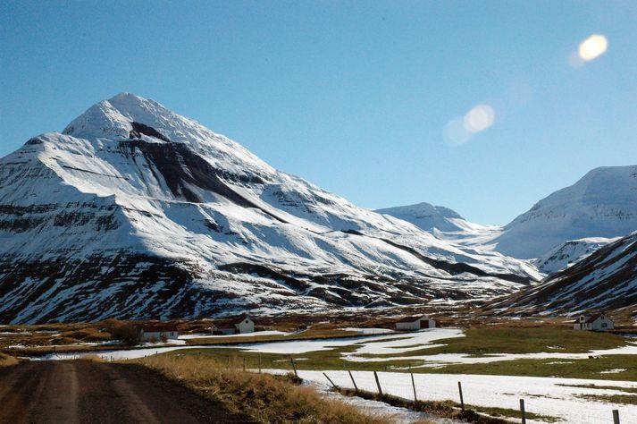 Þorsteinn tók þessa mynd af Móafellshyrnu og skriðunni daginn sem hún féll.