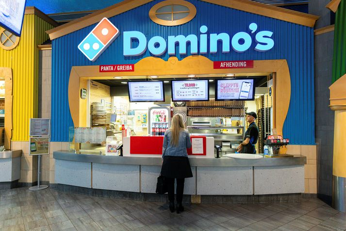Domino's rekur fjölda pizzustaða hér á landi, meðal annars í Kringlunni.