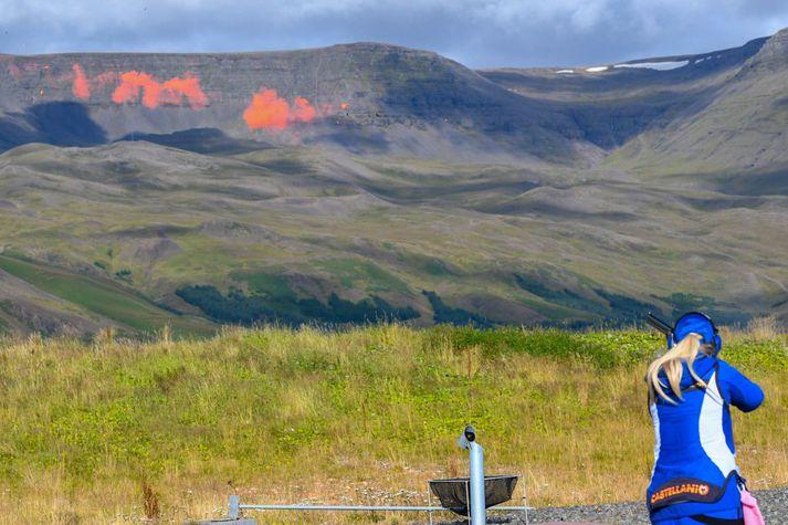 Skotfélag Reykjavíkur þurfti að loka skotsvæði sínu í Álfsnesi í dag eftir aðúrskurðarnefnd umhverfis og auðlindamála felldi starfsleyfi svæðisins úr gildi.