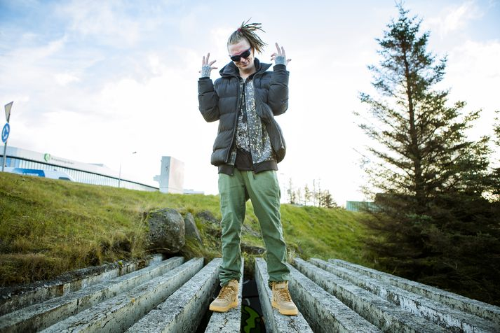 Elli Grill er hluti af rapphópnum Shades of Reykjavík.