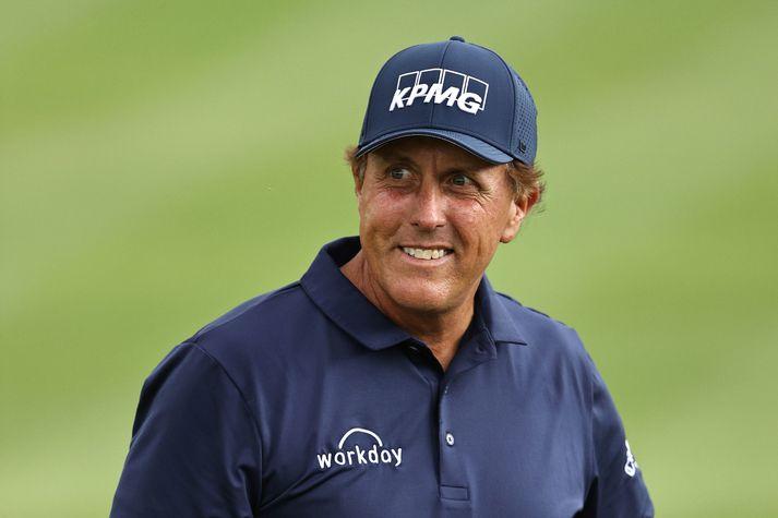 Phil Mickelson lætur aldurinn ekki stoppa sig og heldur áfram að spila golf í hæsta gæðaflokki.