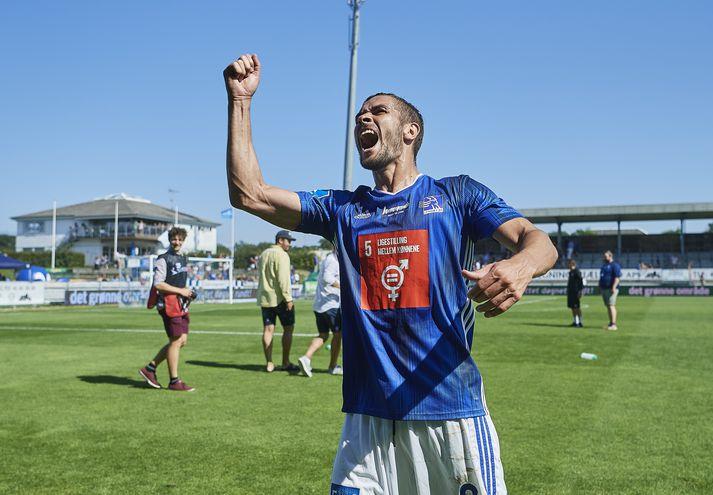 Lasse Fosgaard fagnar eftir sigur Lyngby.