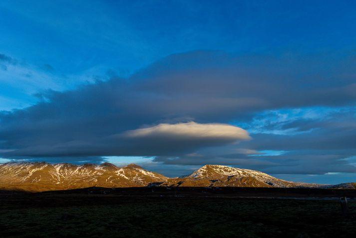 Ferðamaðurinn var kominn upp fyrir stein þegar óhappið varð.