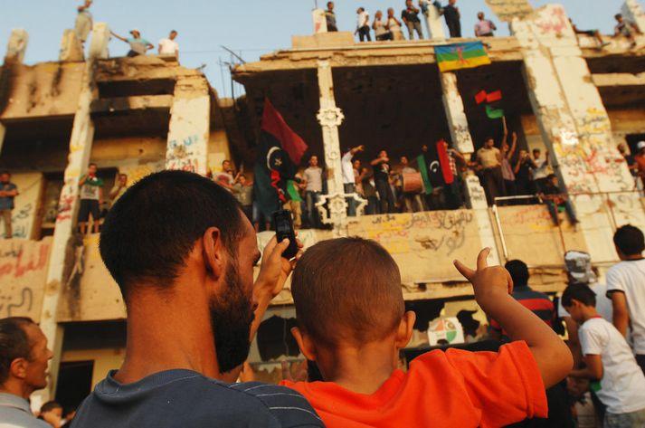 Uppreisnarmenn í Líbíu fagna falli Gaddafi. Myndin tengist fréttinni ekki beint.