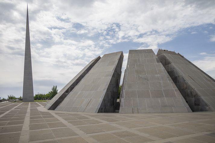 Minnisvarðinn um þjóðarmorðið á Armenum í Jerevan, höfuðborg Armeníu.
