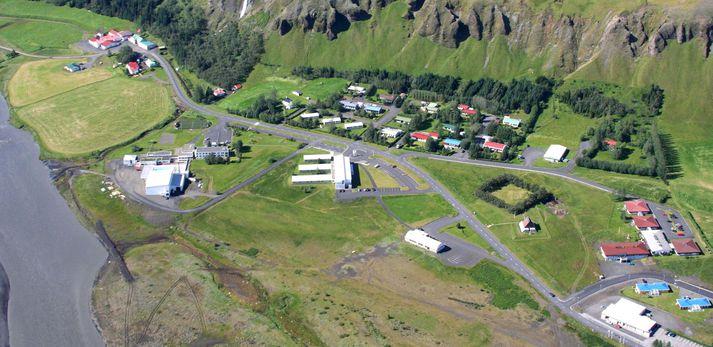 Kjarval mun loka verslun sinni á Kirkjubæjarklaustri um áramótin. 70 kílómetrar eru í næstu matvöruverslun, sem er í Vík í Mýrdal.