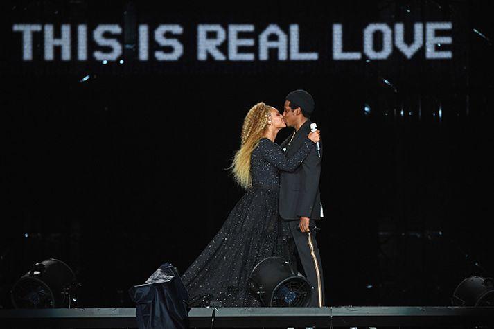 Jay Z og Beyonce eru á tónleikaferðalagi um heiminn um þessar mundir.