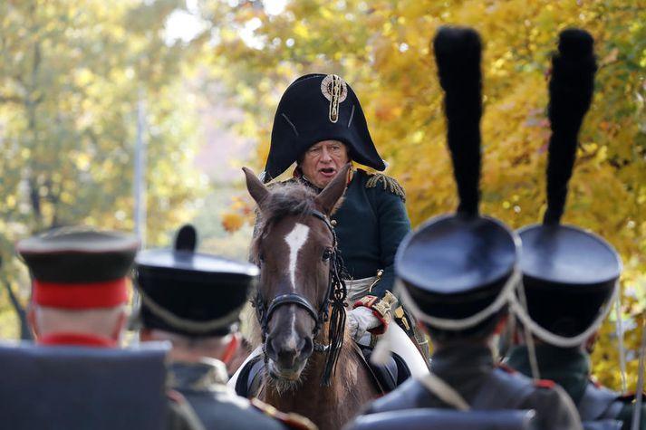 Oleg Sokolov klæddi sig iðulega upp sem Napoleon Bonaparte og hafði ætlað sér að taka eigið líf í slíkum búningi.